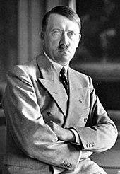 170px-Adolf_Hitler_Berghof-1936